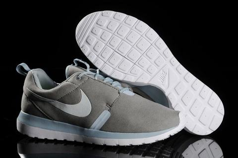 nike roshe run homme foot locker