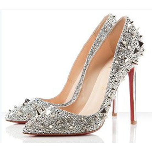 chaussure louboutin en soldes